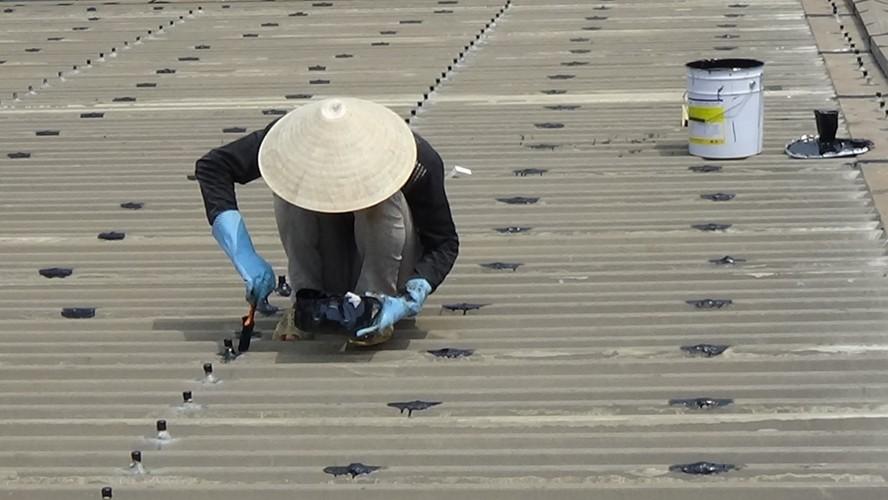 Chuyên chống dột mái tôn tại TpHCM