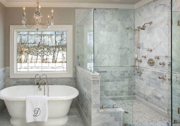 Những điều cần lưu ý khi làm vách kính phòng tắm cường lực